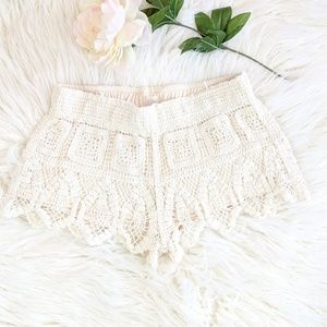 Surf Gypsy Cream Crochet Shorts AE7